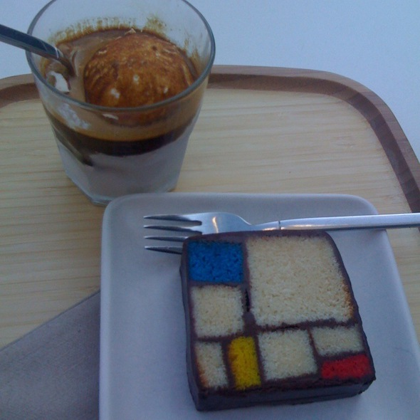 Mondrian Cake @ SFMOMA Rooftop Coffee Bar