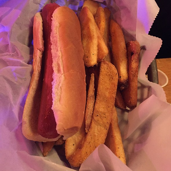Kid's Meal: All-Beef Hot Dog With Fries