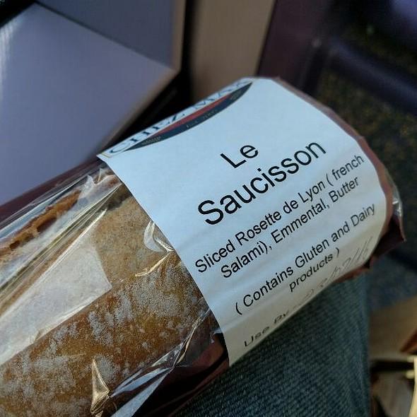 Saucisson Baguette Sandwich