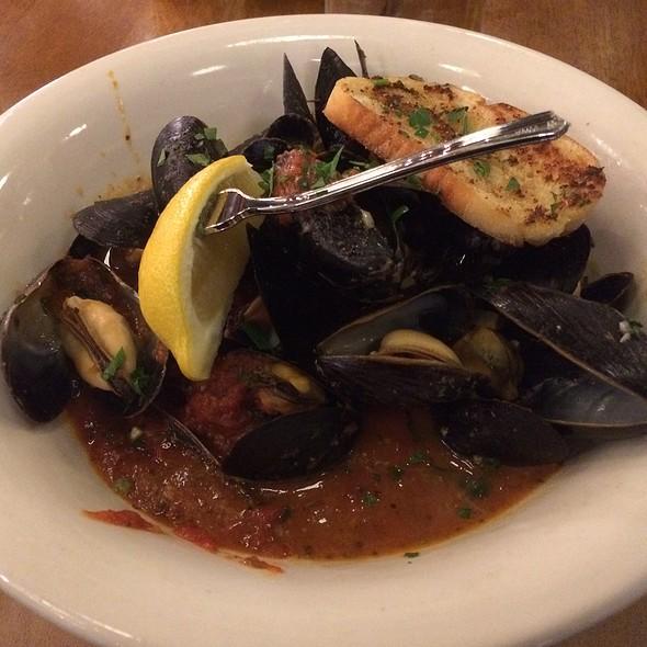P.E.I. Steamed Mussels @ Bella Coast