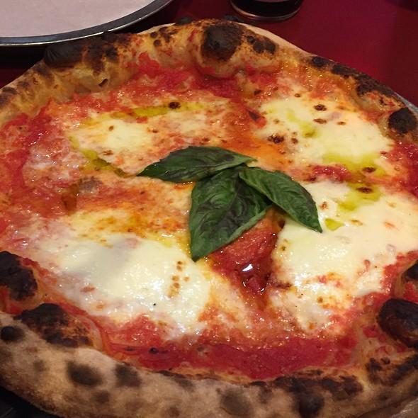 Margherita @ Pompieri Pizza