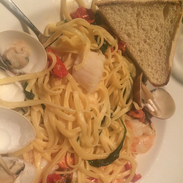 All In Seafood Scampi
