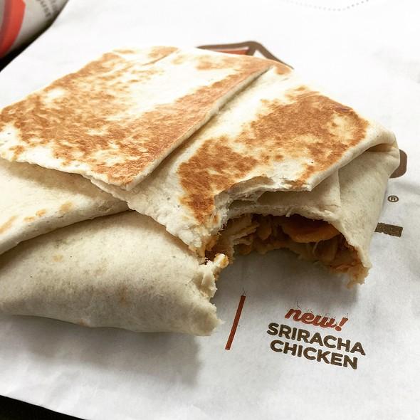 Sriracha Chicken Crunchwrap Slider