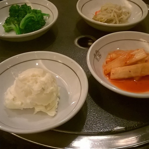 Hot pot fixens @ Dae Jang Geum (D J K) Korean BBQ & Tofu Resteraunt