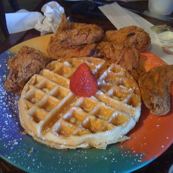 Chicken Wings And Waffles @ The Breakfast Klub