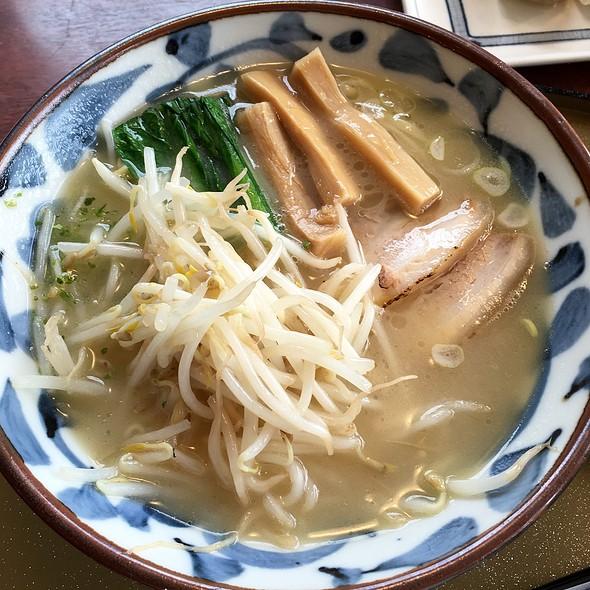 Shio Ramen 鶏白湯ラーメン