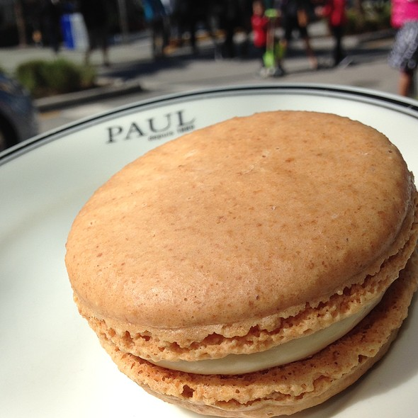Giant Vanilla Macaron