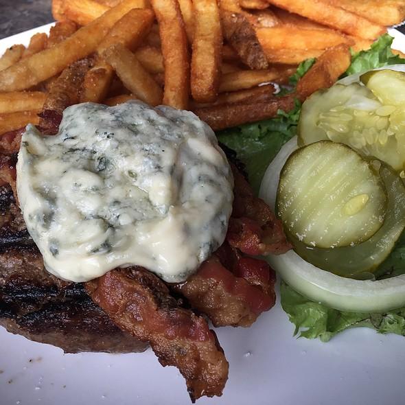 Blue Cheese Bacon Burger @ Coasters Pub