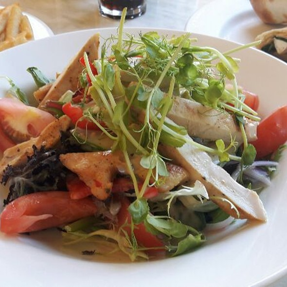 Grilled Chicken salad @ Dôme Café - Rottnest