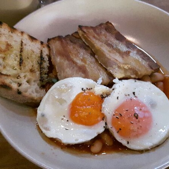 pork belly with eggs and baked beans