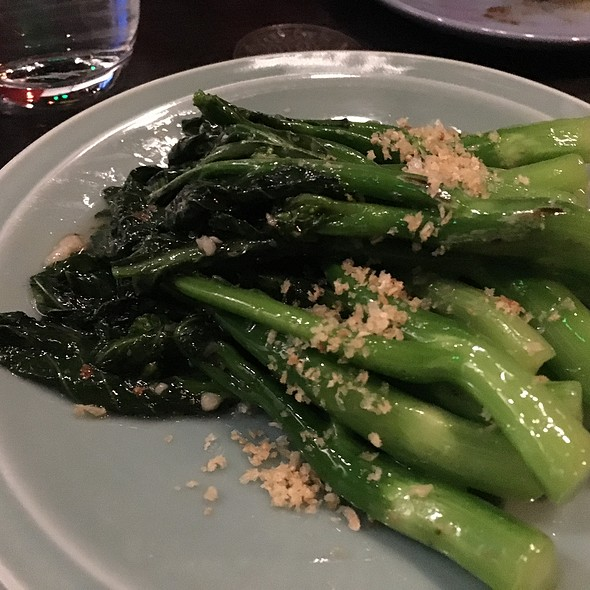 Steamed Gai Lan With Garlic