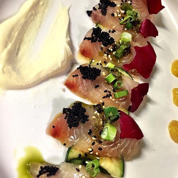 Wahoo Sashimi - The Venue Sushi Bar & Sake Lounge, Palm Desert, CA