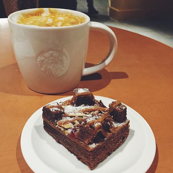 Caramel Macchiato, Brownie