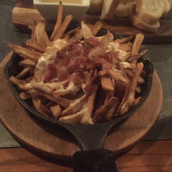 It's A Trap ! Poutine With Bacon