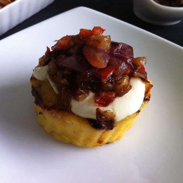 Polenta Con Sofrito De Uvas @ Gourmet X-Perts Catering