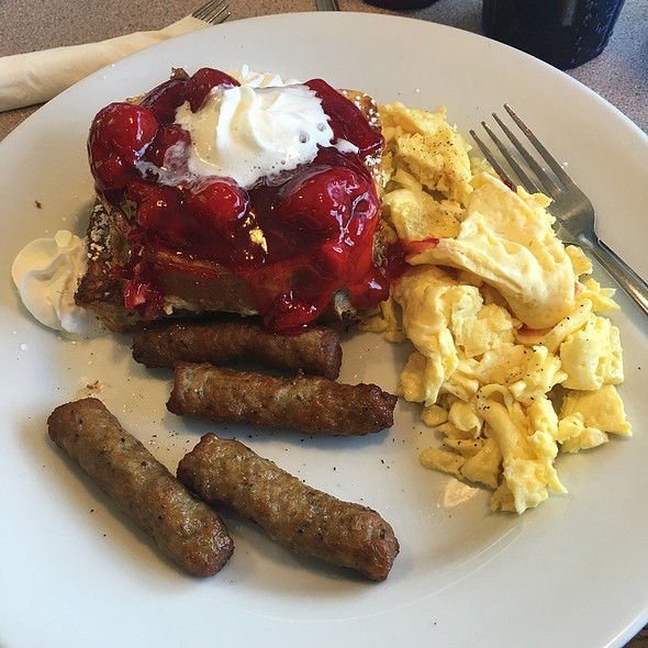 Strawberry And Cream Cheese Stuffed French Toast