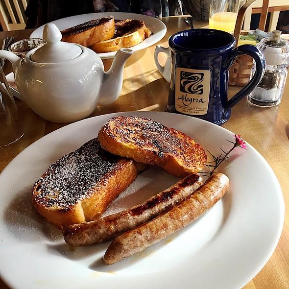 French Toast @ Alegria Inn