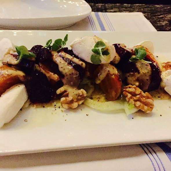 Roast Beets Salad With Walnuts