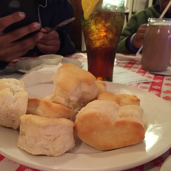 Famous Biscuits @ Loveless Cafe