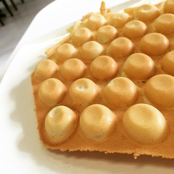 Hong Kong Egg Waffles @ Sweet Heart Dessert House