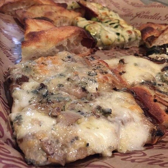 Pizza With Blue Cheese And Mushrooms