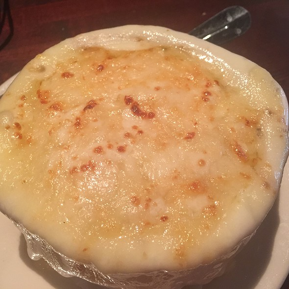 French Onion Soup With Cheesy Frenchy