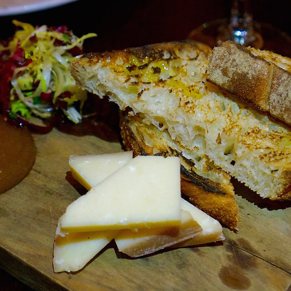 BellaVitano cheese, apple butter, radicchio, grilled sourdough bread