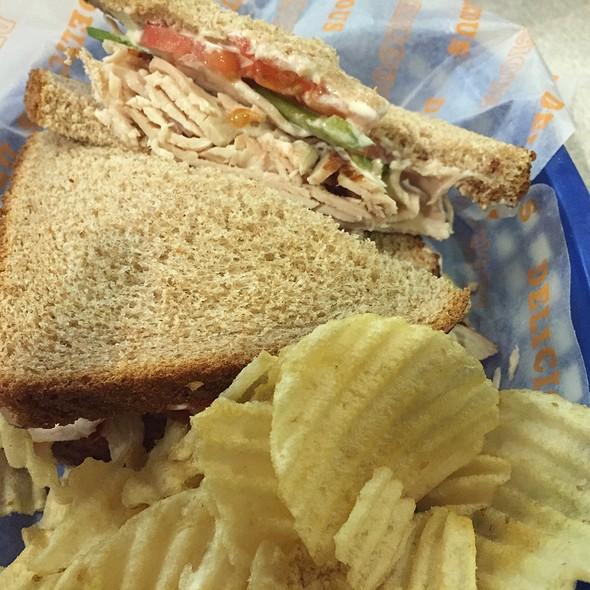 Turkey sandwich and chips
