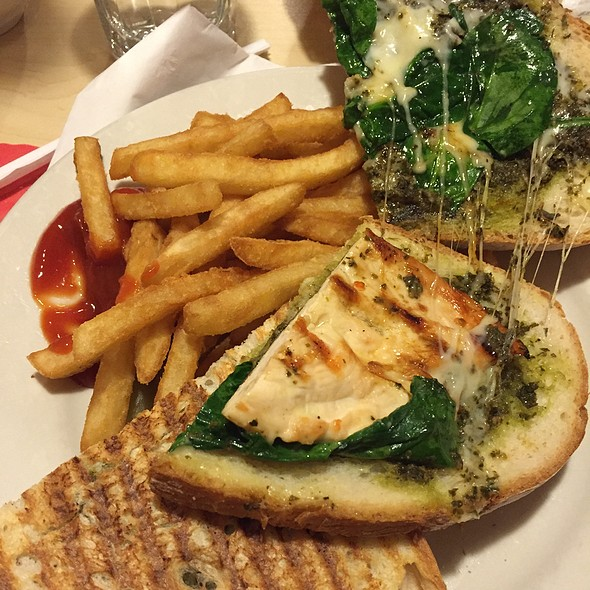 Chicken Pesto And Spinach Panini