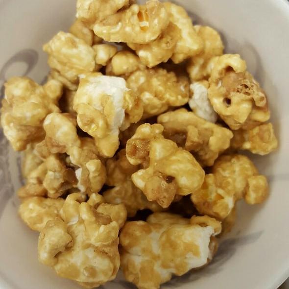 Peanut Butter Schmeir Popcorn