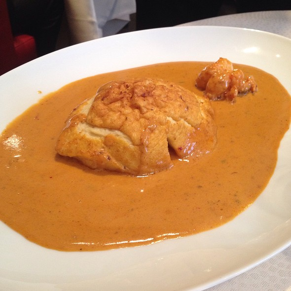 Pike Fish Dumpling With Lobster Cream Sauce
