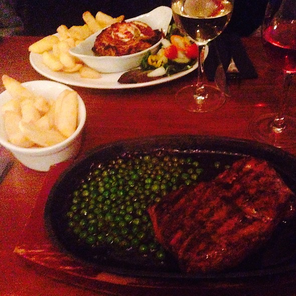 Steak With Sizzling Black Pepper Sauce & Chips