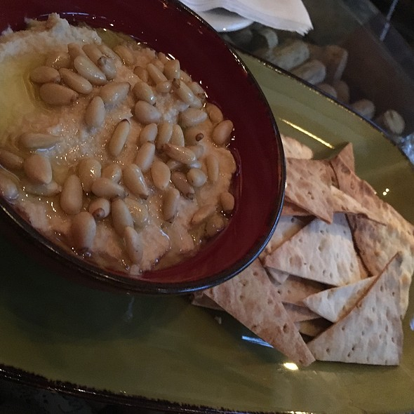 Homemade Humus With Lavash Bread