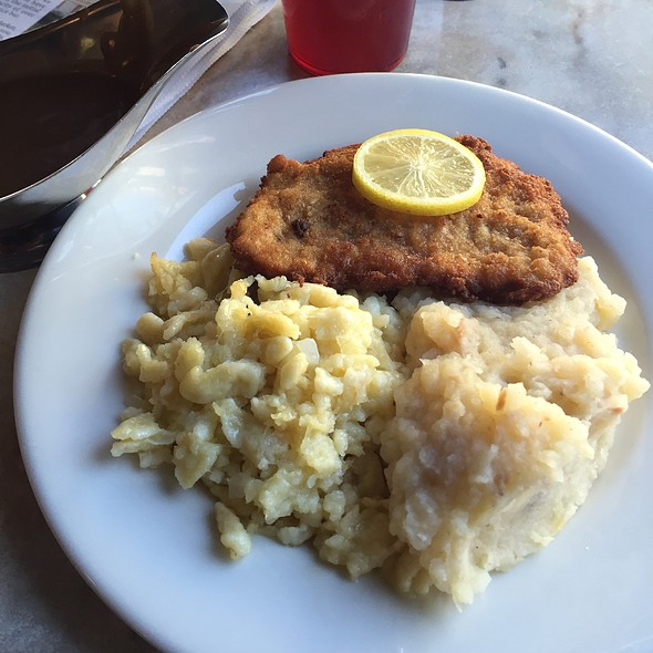 Viener Schnitzel @ Hollerbach's Willow Tree Cafe