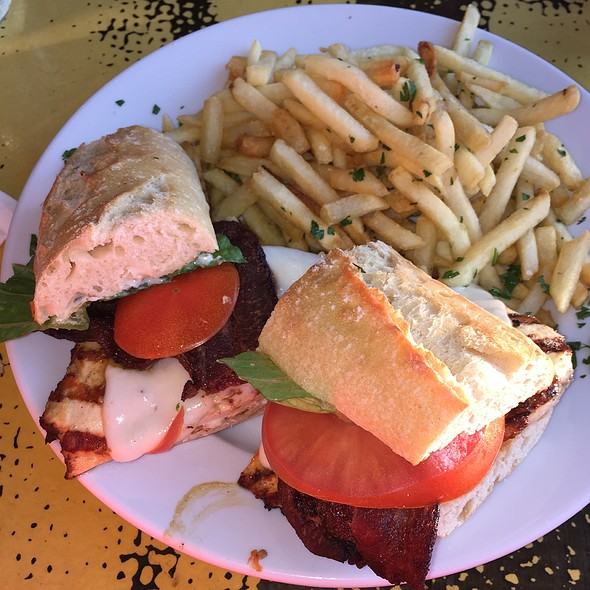 Lemon Chicken Sandwich With Basil Mayo And French Fries