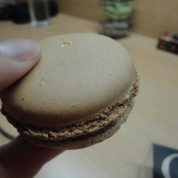 Whisky Chocolate Macaron