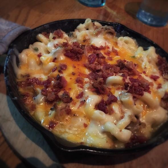 Iron Mac & Cheese