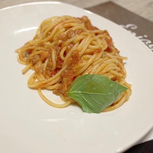 Spaghetti Bolognese @ Amo