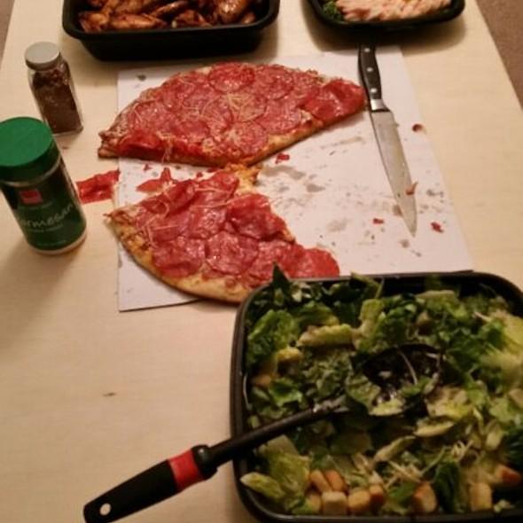 cheese pizza @ Costco