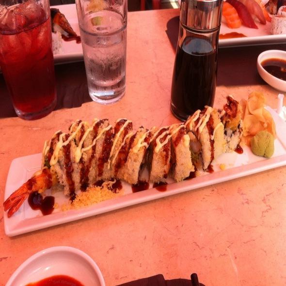 Sushi - Hot Woks Cool Sushi - Roscoe Village, Chicago, IL