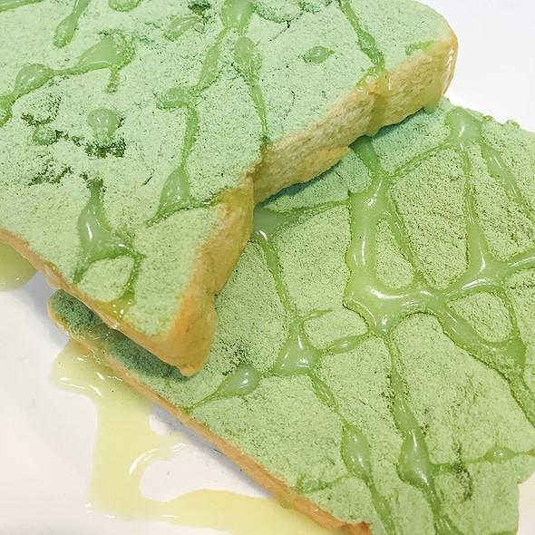 Roti Susu Green Tea @ Warunk Upnormal