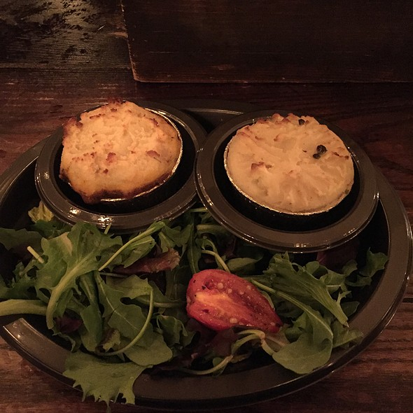 Cottage Pie And Fishermans Pie @ Leaky Cauldron