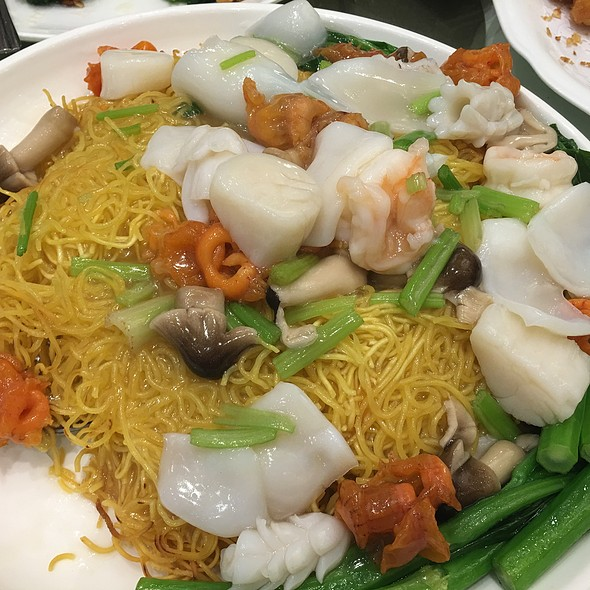 Seafood Fried Noodles @ Park Asia