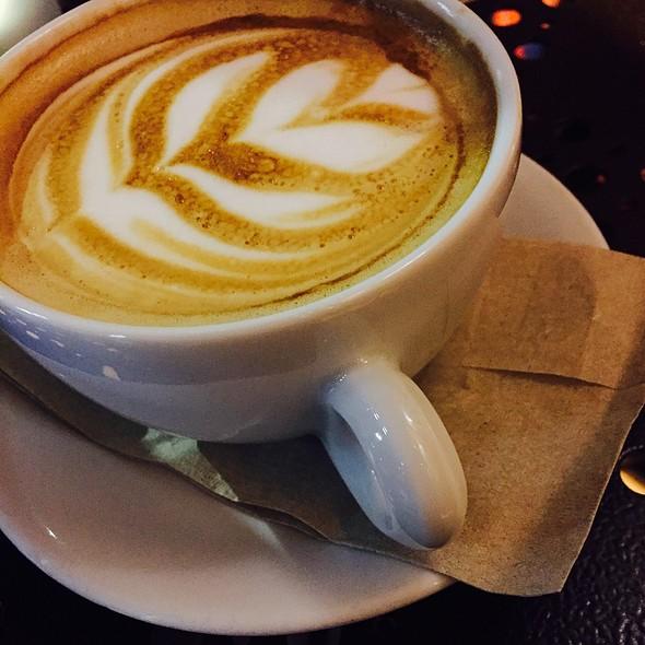 Hot Latte @ Bestia