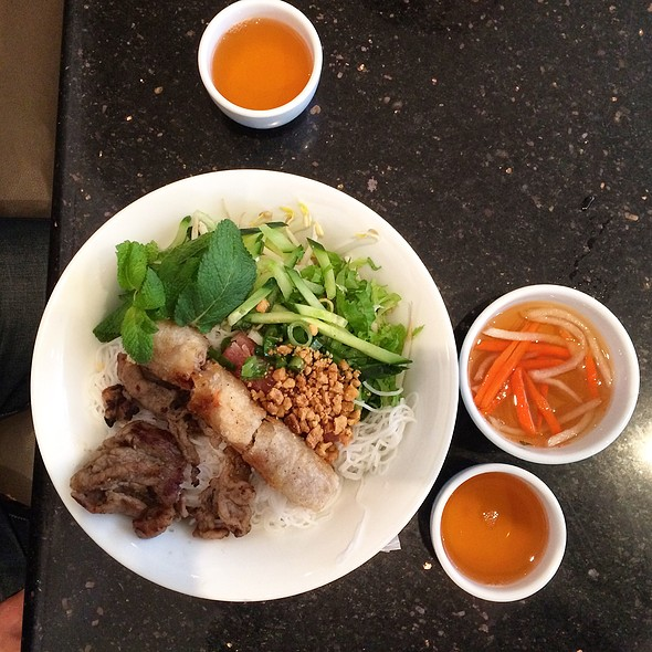 Bun Thit Nuong (Grilled Pork with Vermicelli) @ Linh Restaurant