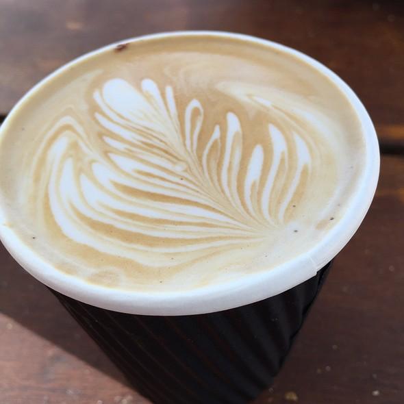 Flat White Coffee @ Rottnest Bakery