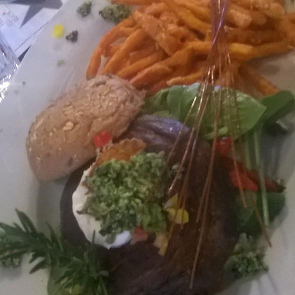 portabello burger @ Hash House A Go Go