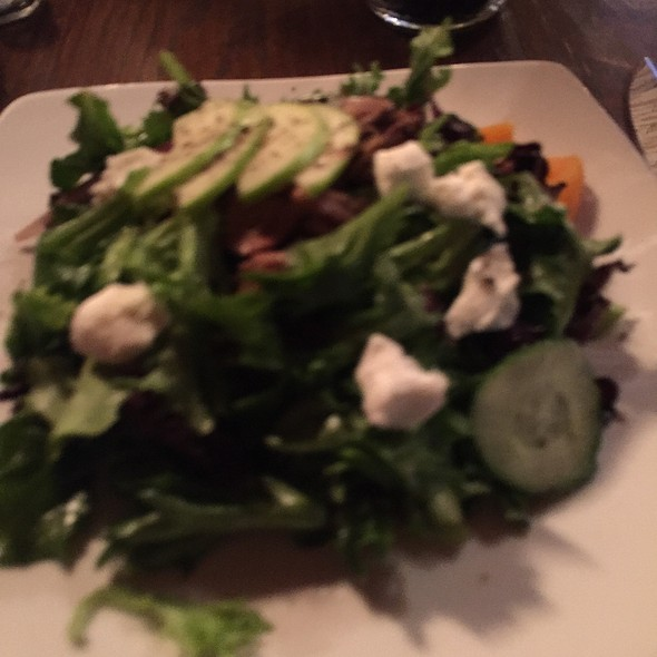 Salad @ The Woods