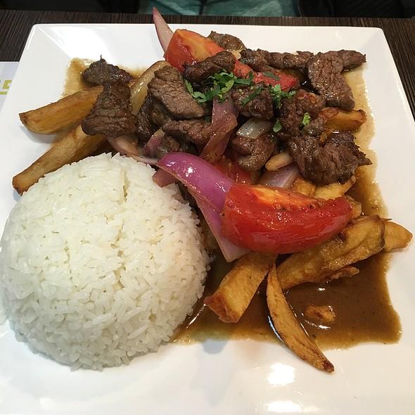 lomo saltado @ Chios Peruvian Grill