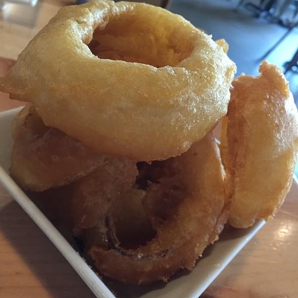 Onion Rings @ Umami Burger